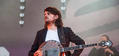 Gitarist Mumford & Sons stapt definitief uit de band na ophef
