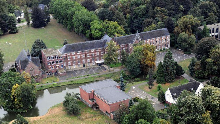 Het Montfortcollege in Rotselaar. Leerkrachten hebben het niet makkelijk om leerlingen te begeleiden die naar de Examencommissie trekken. Beeld vertommen
