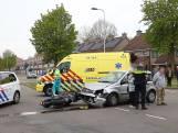 Motorrijder geschept door personenauto in Oss