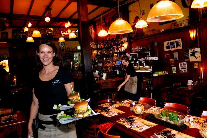 Over de Tong ging eten bij De Sjampetter in Deventer.