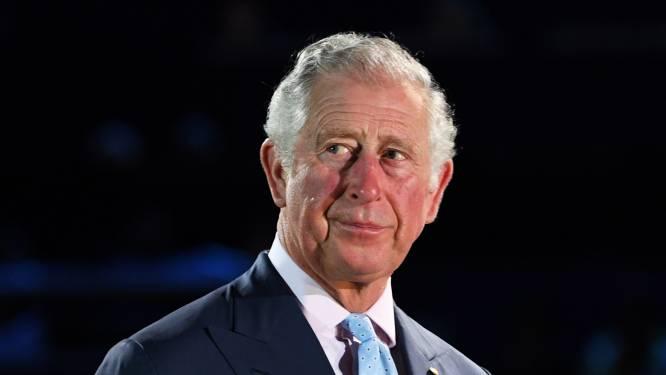 Prins Charles reageert voor het eerst op geboorte van kleindochter Lilibet