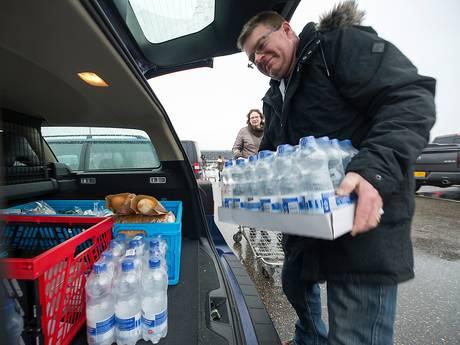 Gratis water voor scholen, dokters en kinderen na storing in Liemers