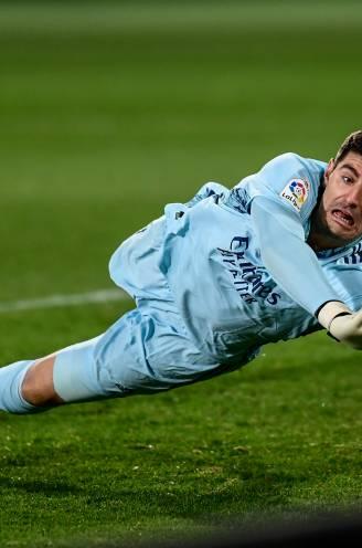 Hazard maakt wederoptreden bij Real, al is het vooral weer Courtois die in het oog springt bij gelijkspel tegen Elche