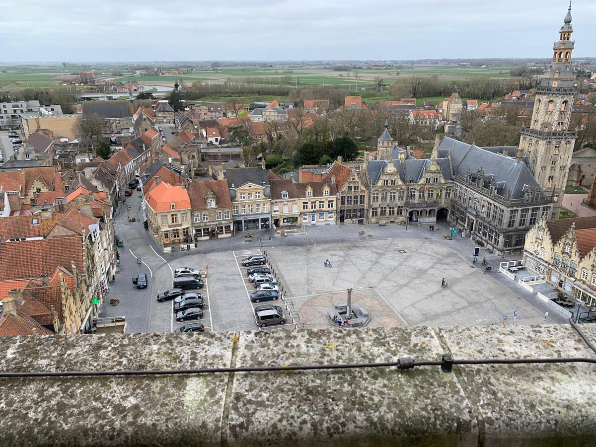 De feiten deden zich voor op de Grote Markt in Veurne.