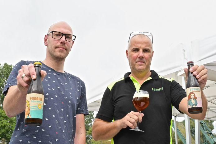 Yannick Deplae van 't Schroefke in Kachtem verkoopt de Punaise Juicy Blond en Rosse Tinke van Luc Savels.