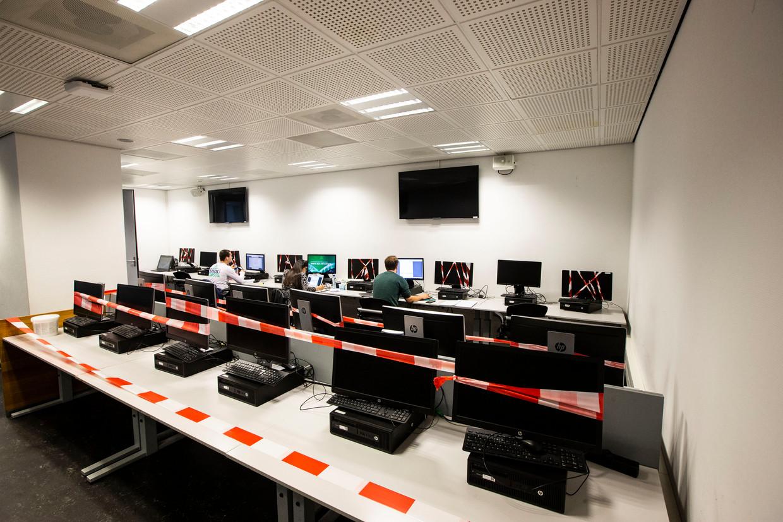 Tentamens maken op de Erasmus Universiteit in Rotterdam met inachtneming van de coronamaatregelen.