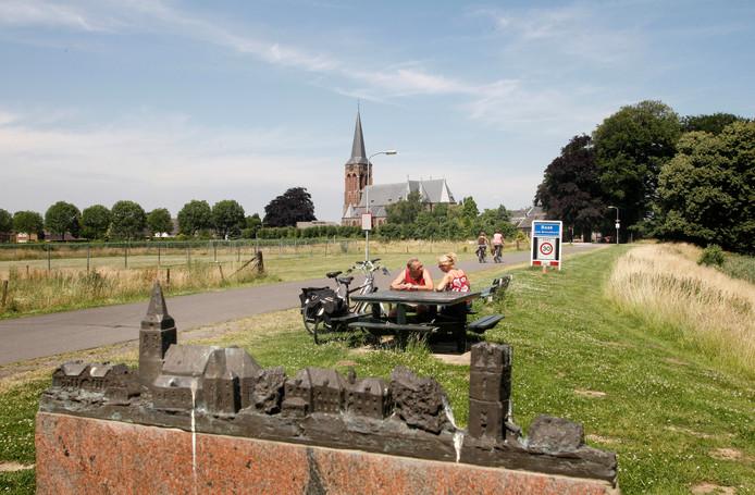Op de Martinuskerk in Baak moet een antenne komen waardoor iedereen weer 112 kan bellen.