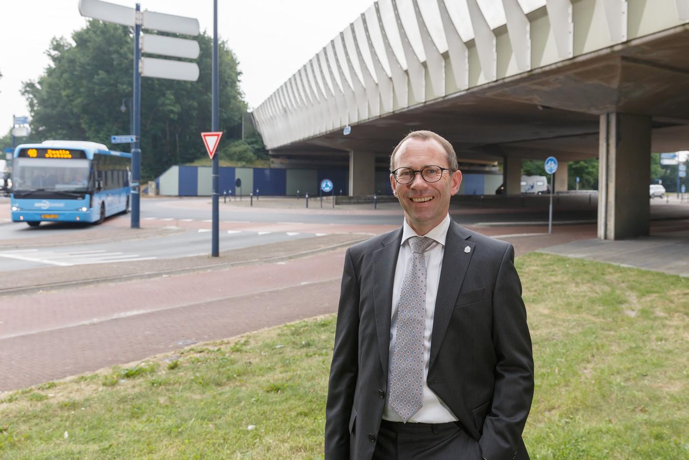 Oud-wethouder en SGP'er Sytse de Jong verruilt SGP voor kandidatuur gedeputeerde Overijssel