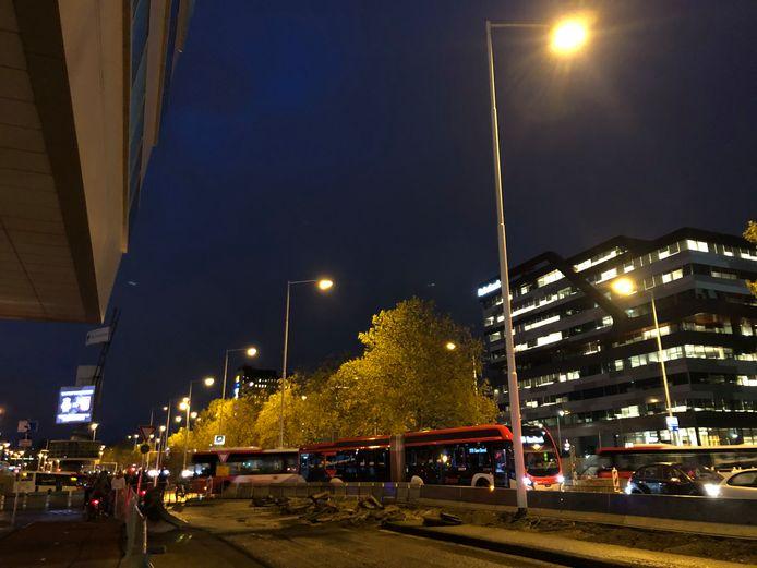 Werk aan busstation Neckerspoel in Eindhoven leidt tot lange files op de Fellenoord en wijde omgeving.