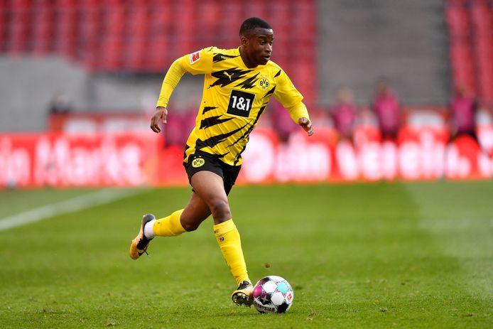 Youssoufa Moukoko debuteerde vlak na zijn zestiende verjaardag in de hoofdmacht van Dortmund.