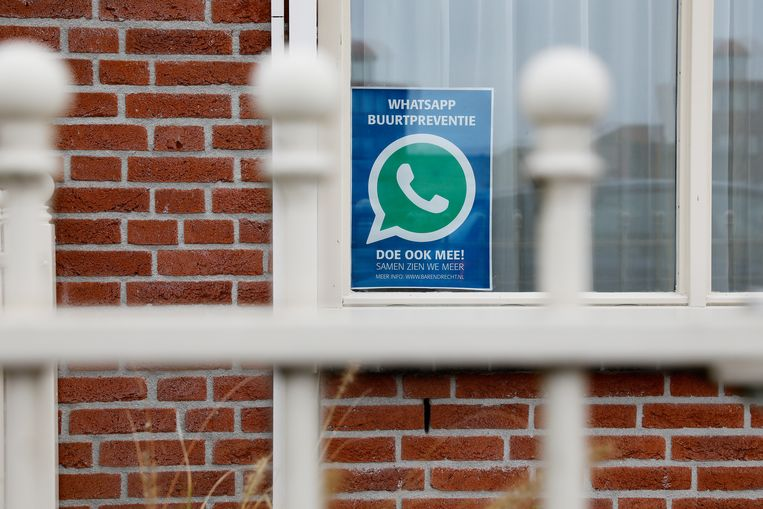 Buurtpreventie in een wijk in Barendrecht.  Beeld ANP