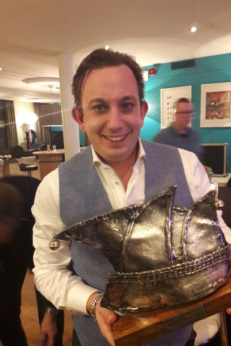 Boy Jansen wint Zilveren Narrenkap in Helmond