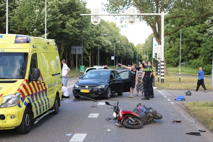 Hulpdiensten op de plek van het ongeval.