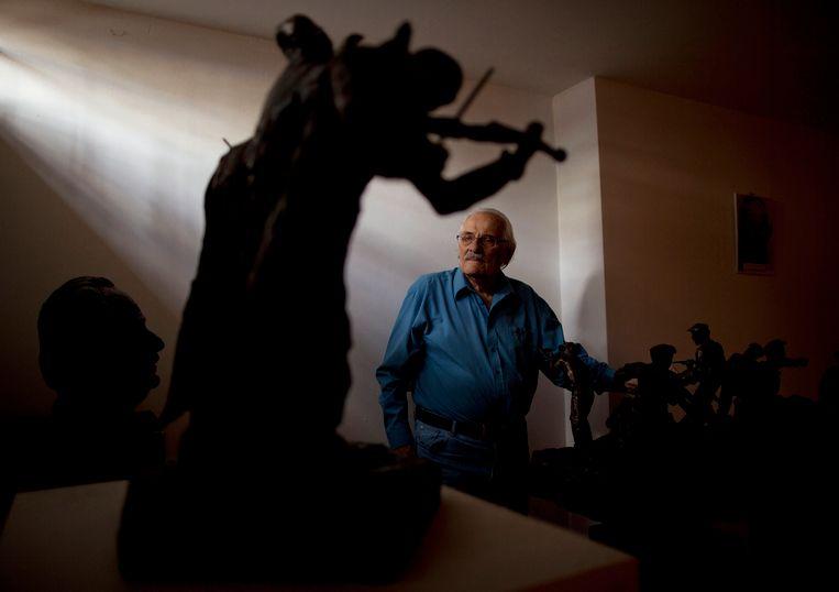 Na zijn pensionering legde Willenberg zich toe op beeldhouwen.