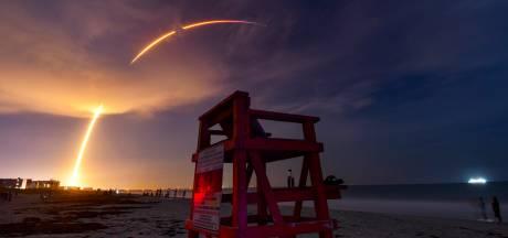 SpaceX lance 57 satellites simultanément pour son réseau internet à haut débit Starlink