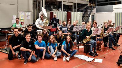 Incar Dansspektakel en Fanfareorkest gaan Franse toer op met live muziek en dans