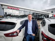 Garagehouder Lentelink uit Hengelo ruilt auto's in voor campers: 'De druk is er nu voor mij niet meer'
