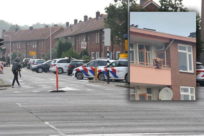 In Almelo vond een incident plaats met een man met een kruisboog. De politie heeft daarbij geschoten