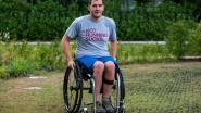 Cedric (28) zit in rolstoel na duikongeval. Toch deed hij mee aan de Dodentocht ten voordele van zijn basketbalclub