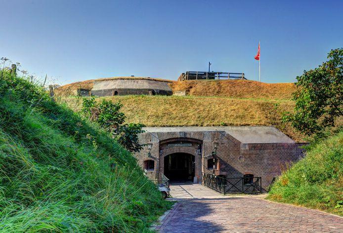 De entree van Fort Pannerden, op de splitsing van Rijn en Waal bij Doornenburg