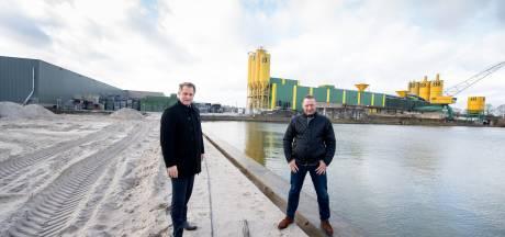 Almelo dempt insteekhaven: Kroon Oil en Van den Bosch Beton kunnen eindelijk uitbreiden