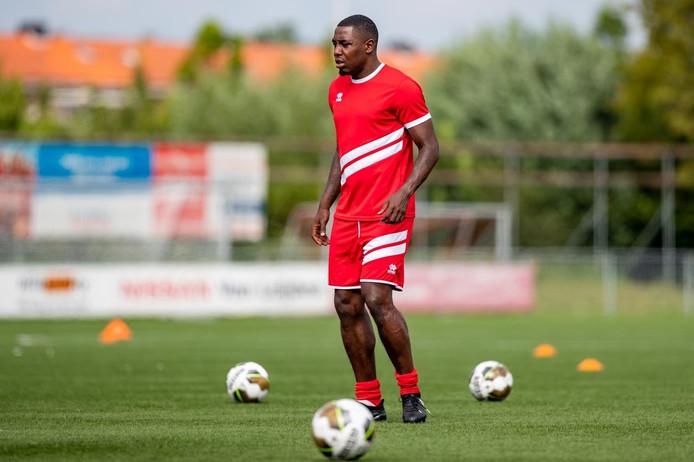 Kelvin Maynard in het shirt van Alphense Boys.