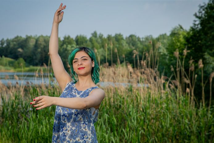 """Melika Yamini woont in Arnhem na haar vlucht uit Iran. ,,Ik vond Nederland eerst maar een rare wereld."""""""