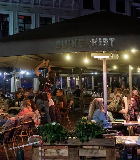 Twaalf stappers in Breda krijgen boete omdat ze te weinig afstand houden