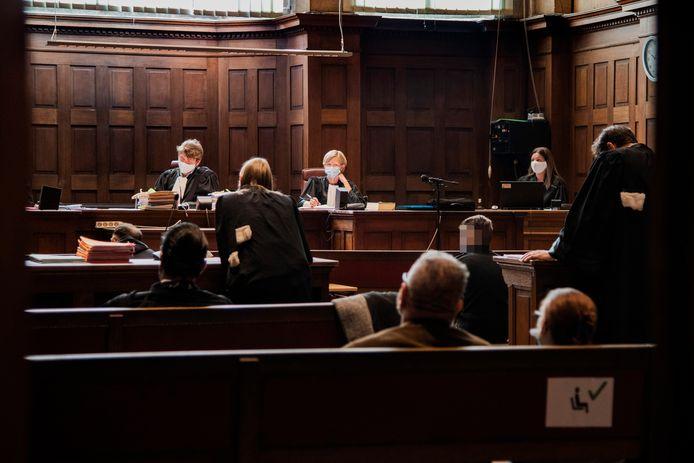 Het tien jaar oude moorddossier werd maandag behandeld door de Dendermondse rechtbank.