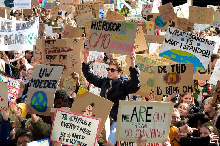 'Spijbelen voor het klimaat', vandaag ook massaal in Leuven. Beeld Photo News