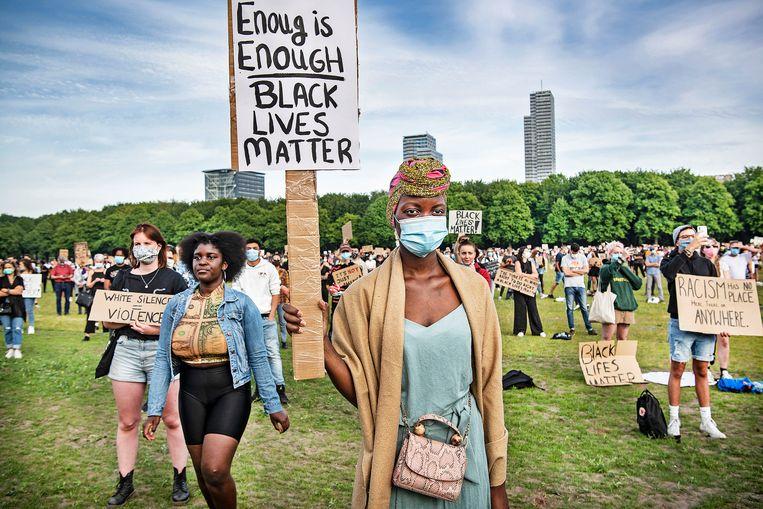 Betoging in Den Haag van Black Lives Matter tegen racisme, 2 juni. Beeld Guus Dubbelman / de Volkskrant