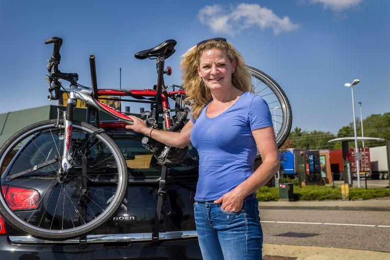Marloes Broekhuizen (44), op 'inspiratiereis' naar de Algarve: 'Je moet wel blijven leven.'   Beeld Arie Kievit