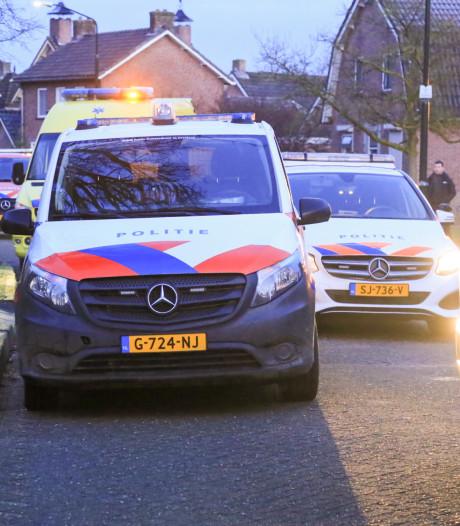 Dode bij beknelling tussen auto en gevel in De Mortel