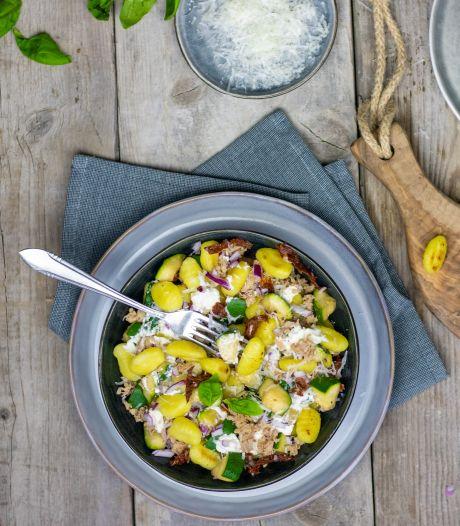 Wat Eten We Vandaag: Romige gnocchi met tonijn en gegrilde courgette