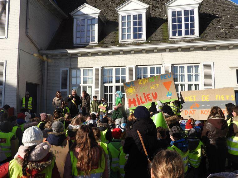 Ook in Eernegem werd uitgepakt met slogans en leuzen.