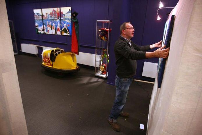 De expositie is wekelijks van woensdag tot en met zondag toegankelijk van 13.00 tot 17.00 uur. Adres: Zandheuvel 51, Oosterhout.