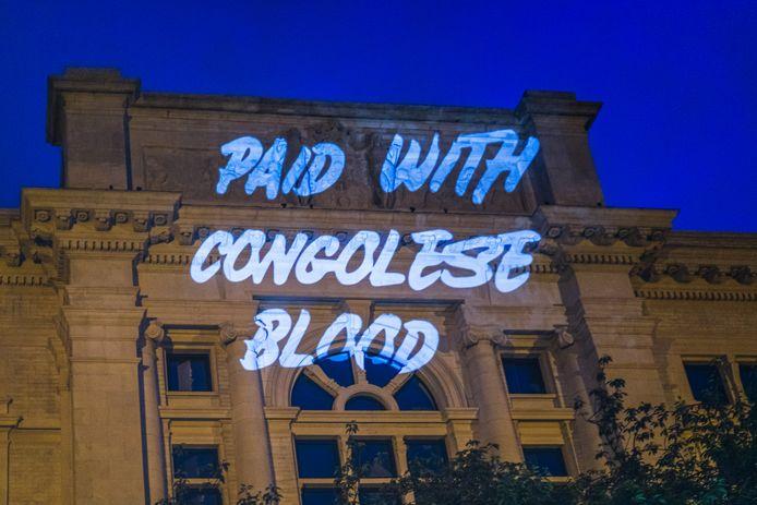 'Betaald met Congolees bloed', werd er deze week tegen de gevel van het KMSKA geprojecteerd.