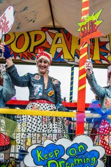 Carnavalsvierders in optochten door de regio