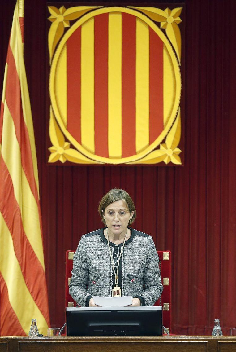 Carmen Forcadell, de nieuwe voorzitter van het Catalaanse parlement, heeft de onafhankelijkheidsverklaring maandag op de agenda geplaatst. Beeld EPA