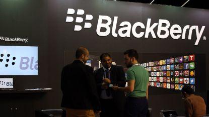 BlackBerry wil dat Facebook stopt met Messenger en Whatsapp