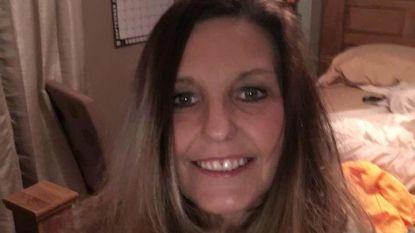 Verslaafde Mary (49) beseft niet hoe ernstig haar Deense doggen haar verwondden en bezwijkt