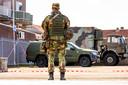Zwaarbewapende militairen oefenen een week lang in Helmond.