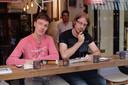Joost (links) en Marvyn tijdens het testen.