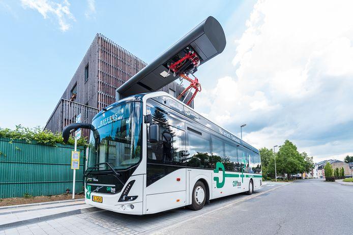 Volvo kan zijn elektrische bussen laden met snellaadsystemen van Heliox.