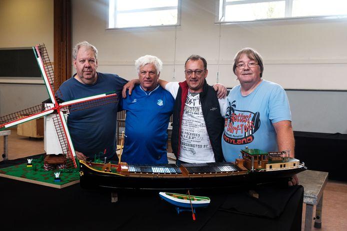 Legotentoonstelling. Luc, Ad, Rudi en Peter.