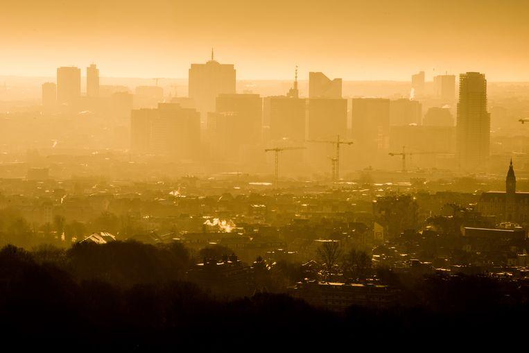 De Brusselse skyline bij zonsopgang.  Beeld © Bart Leye