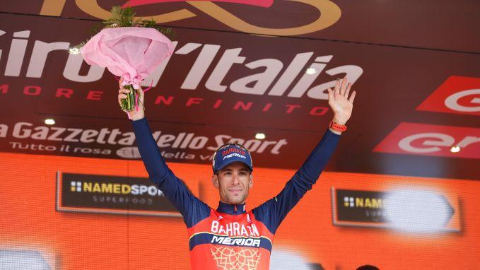 """Nibali bezorgt Italianen eerste zege: """"Dit was echt een etappe voor complete renners"""""""