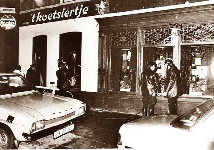 Exterieur van cafe 't Koetsiertje, waar Cevdet Y. in 1983 zes mensen doodschoot. In het rechter deel vielen de slachtoffers.