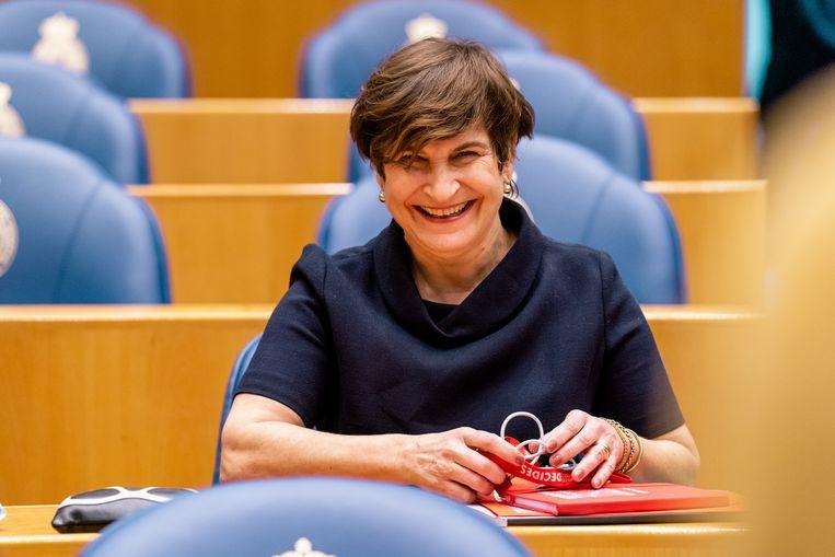 De kakelverse PvdA-leider Ploumen memoreerde dat Rutte nog altijd zomaar met zijn appeltje op de fiets zat. Beeld BSR Agency