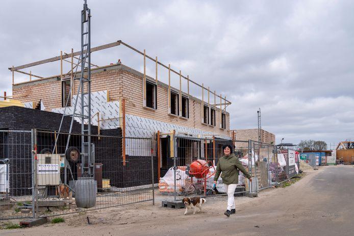 De bouw in de wijk Reigerskant in Esch is al een tijdje aan de gang.